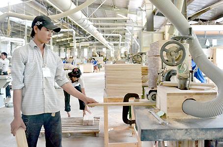 Đơn hàng lâm nghiệp cắt gỗ, gia công gỗ cần 6 nam thực tập sinh làm việc tại Yamanashi Nhật Bản tháng 11/2016