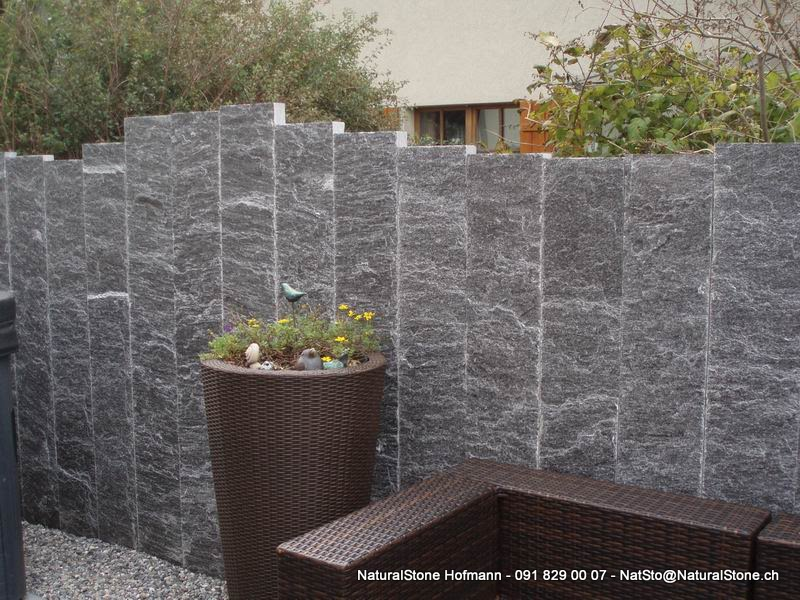 granitstellen als sichtschutzwand von naturalstone hofmann. Black Bedroom Furniture Sets. Home Design Ideas