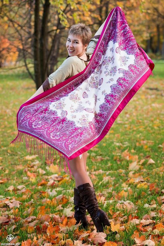 Осенние фотосессии в парке на природе для девушек