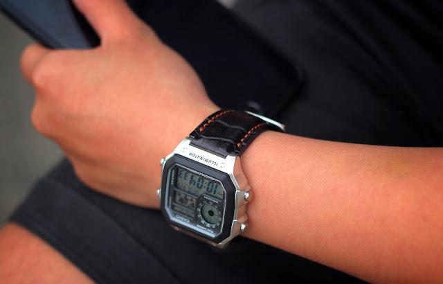Chụp ảnh sản phẩm đồng hồ có xuất hóa đơn VAT cho công ty chuyên nghiệp tại Đà Nẵng