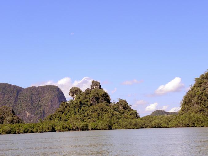 https://lh4.googleusercontent.com/-vo_eYHbFr7U/Up0AVjlWx_I/AAAAAAAAEAo/a-6C6PYb0ss/w677-h508-no/Tajlandia+2013+484.JPG