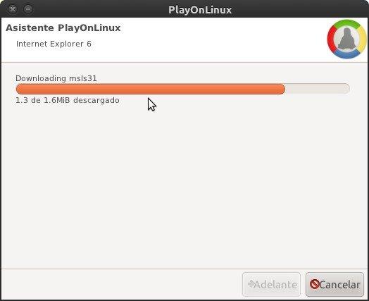 PlayOnLinux baja los archivos necesarios para completar la instalación