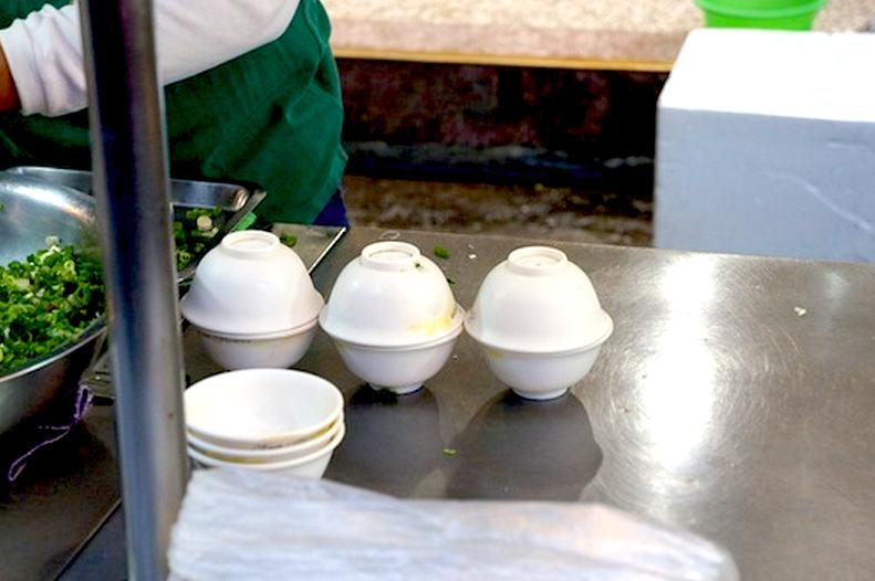 宜蘭美食推薦【三星蔥餅】羅東夜市好多蔥.好多汁