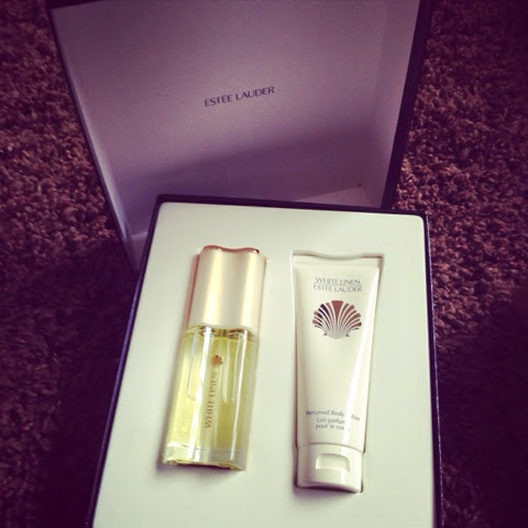 Est 233 E Lauder Mothers Day Giftsets
