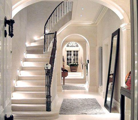 Shabby chic hallway ideas inspiration i heart shabby chic for Entrance hall ideas