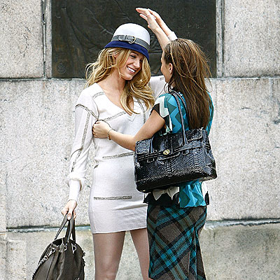 Blake Lively and Leighton Meester - Page 5 Nice-hat-s
