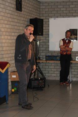Marc opent de Sinterklaasshow.