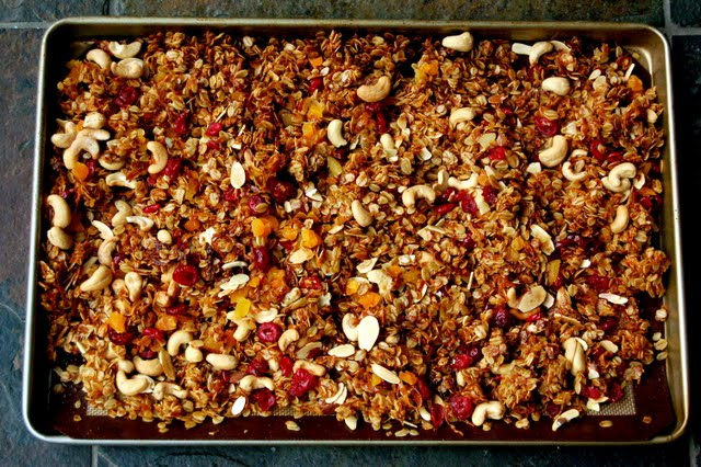 Cooled granola with dried fruit and nuts