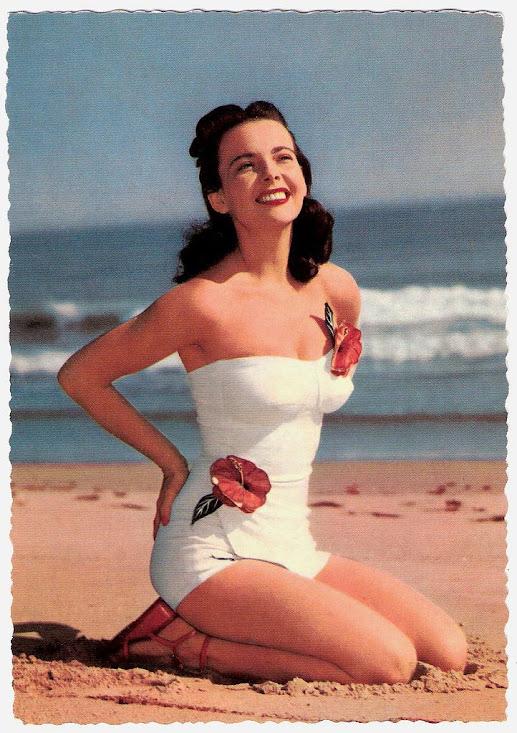 фото женщин 40 лет в купальниках