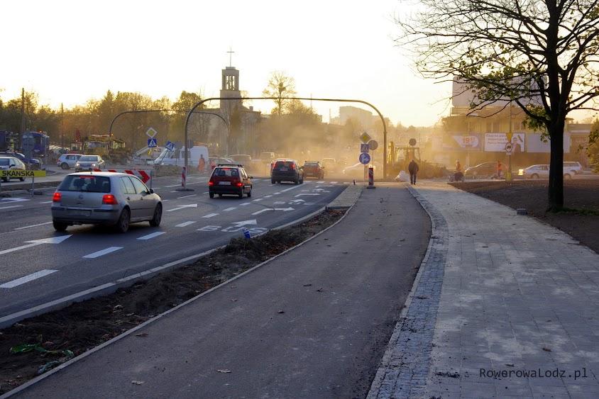 Od tego miejsca drogę dla rowerów można chwalić. To wszystko co w stronę zachodnia to jeden wielki bubel!