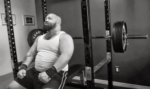 Powerlifter Benching