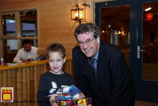 Prijsuitreiking ballonnenwedstrijd  kermis Vierlingsbeek en Overloon 01-12-2012 (18).JPG