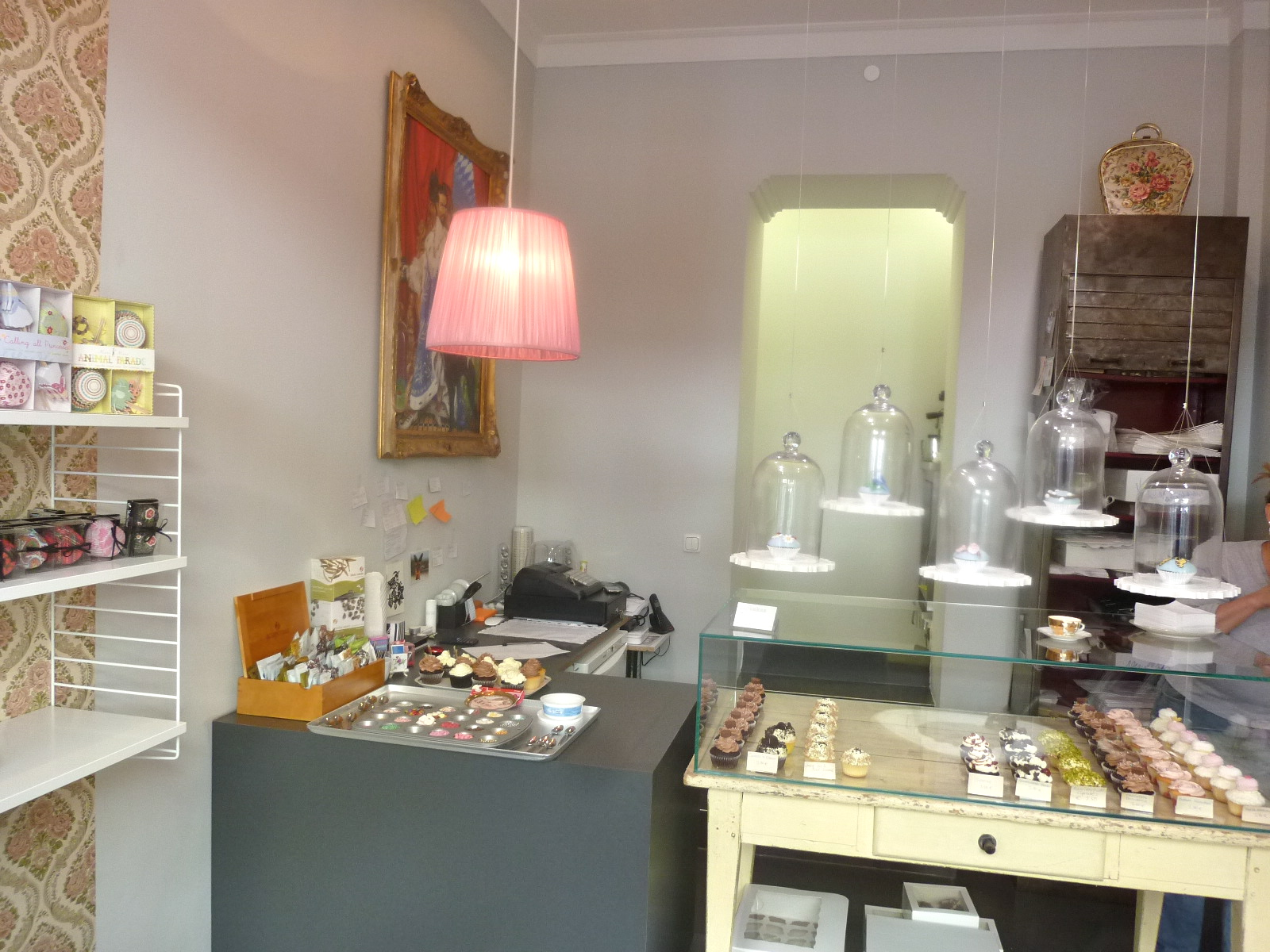 Diary Of A Mad Hausfrau The Best Little Cupcake Shop In