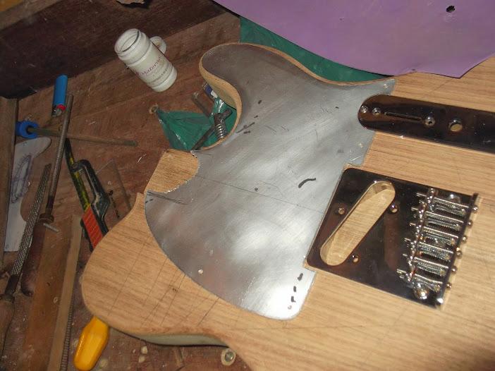 Construção guitarra telecaster, meu 1º projeto bolt on. Finalizado e com vídeo - Página 2 DSCF0851