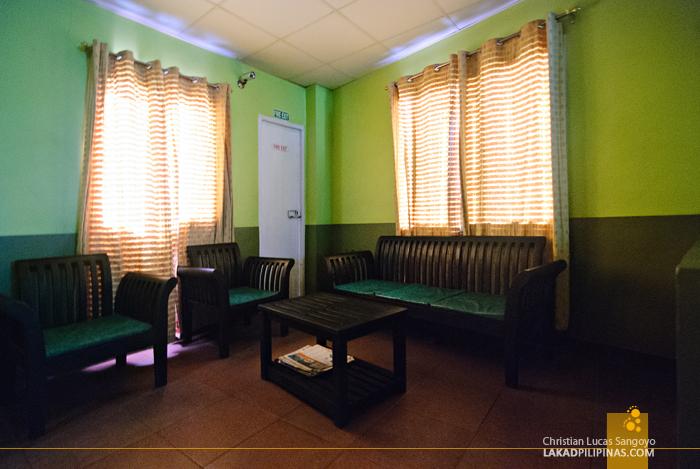 Sala Area at Tagaytay's D-Zone Backpacker's Inn