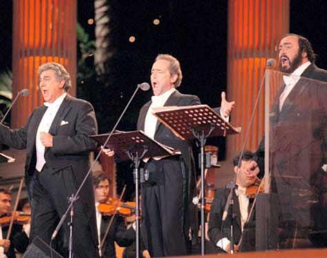 Los Tres Tenores cantando el Feliz Navidad