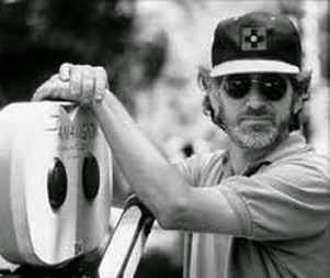 https://lh4.googleusercontent.com/-wLktDjJeRuw/VSKX12MIVYI/AAAAAAAADEk/7xKcaQ3weFg/Spielberg.jpg