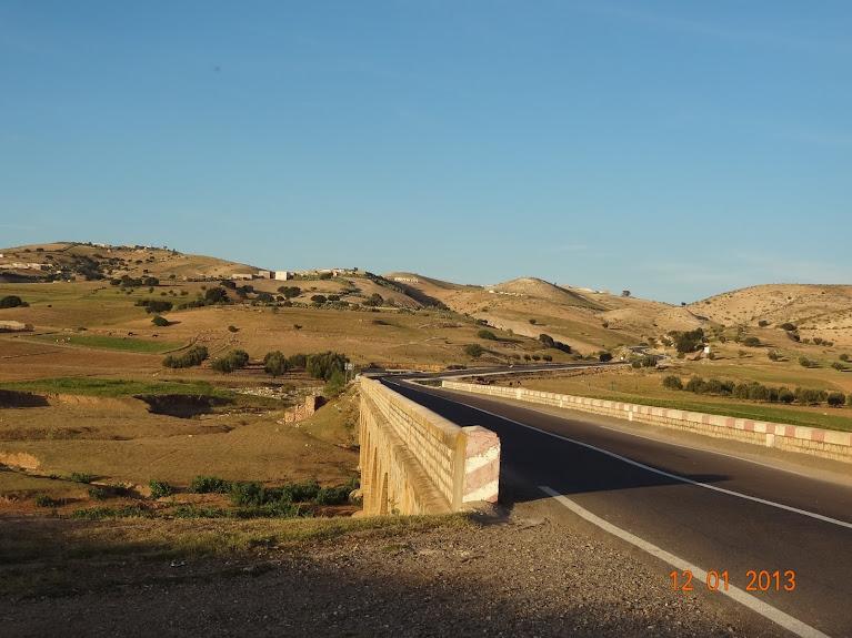 Marrocos e Mauritãnia a Queimar Pneu e Gasolina - Página 2 DSC05531
