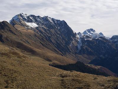 Cresta de Crabèra, amb el Maubèrme al fons