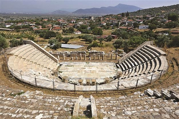 Near East: Ancient city of Metropolis opens to tourism