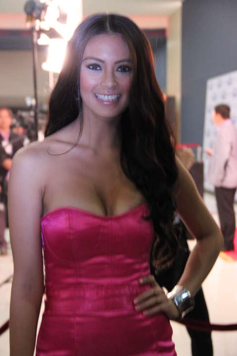 Sam Pinto Yahoo OMG Awards 2012