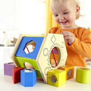 Đồ chơi phù hợp cho trẻ từ 12 – 18 tháng tuổi