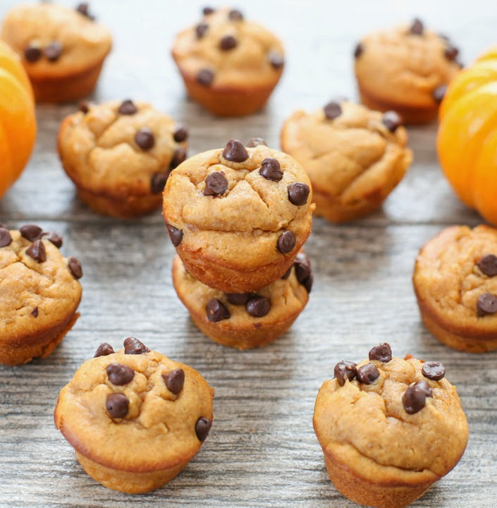 Mini Flourless Peanut Butter Pumpkin Muffins
