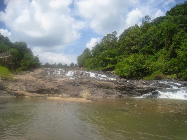 Air-Terjun-Lata-Rek-Waterfall