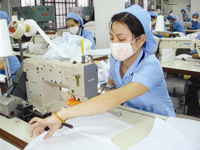Đơn hàng may quần áo cần 3 nữ thực tập sinh làm việc tại Fukui Nhật Bản tháng 04/2017