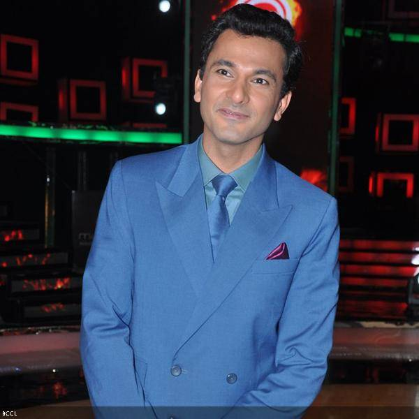 Chef Vikas Khanna seen during the grand finale of the cookery show Master Chef Season 3, held in Mumbai. (Pic: Viral Bhayani)<br />