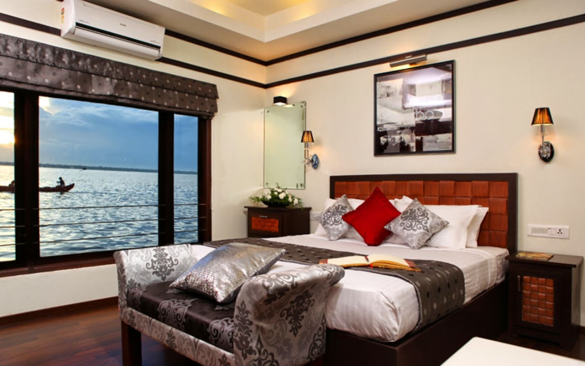 Luxury houseboat in Allepey backwater, Kerala