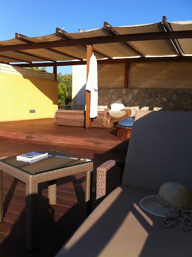 terraza vanitu suites cala mesquida
