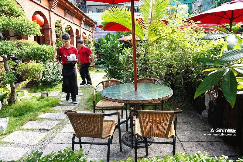蘆洲老厝邊庭園西餐廳
