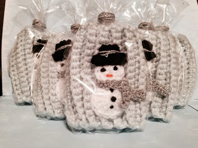 https://www.etsy.com/listing/211911441/shimmer-the-snowman-coffee-cozy?ref=shop_home_active_1