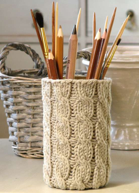 Knitted pencil cup cozy