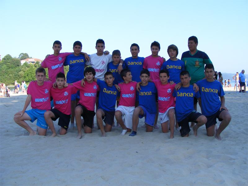 Torneo de Fútbol Playa de Ares 2012.  Semifinal Infantil. Bankia - Coca Juniors