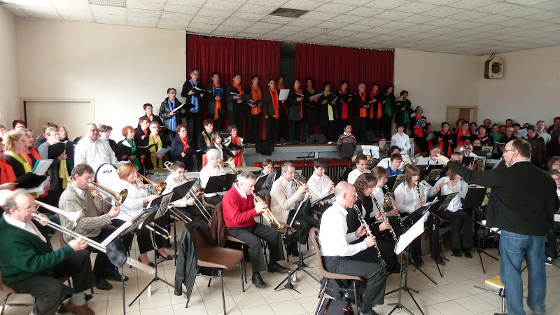 Image : TILLIERES . Concert  en 2012