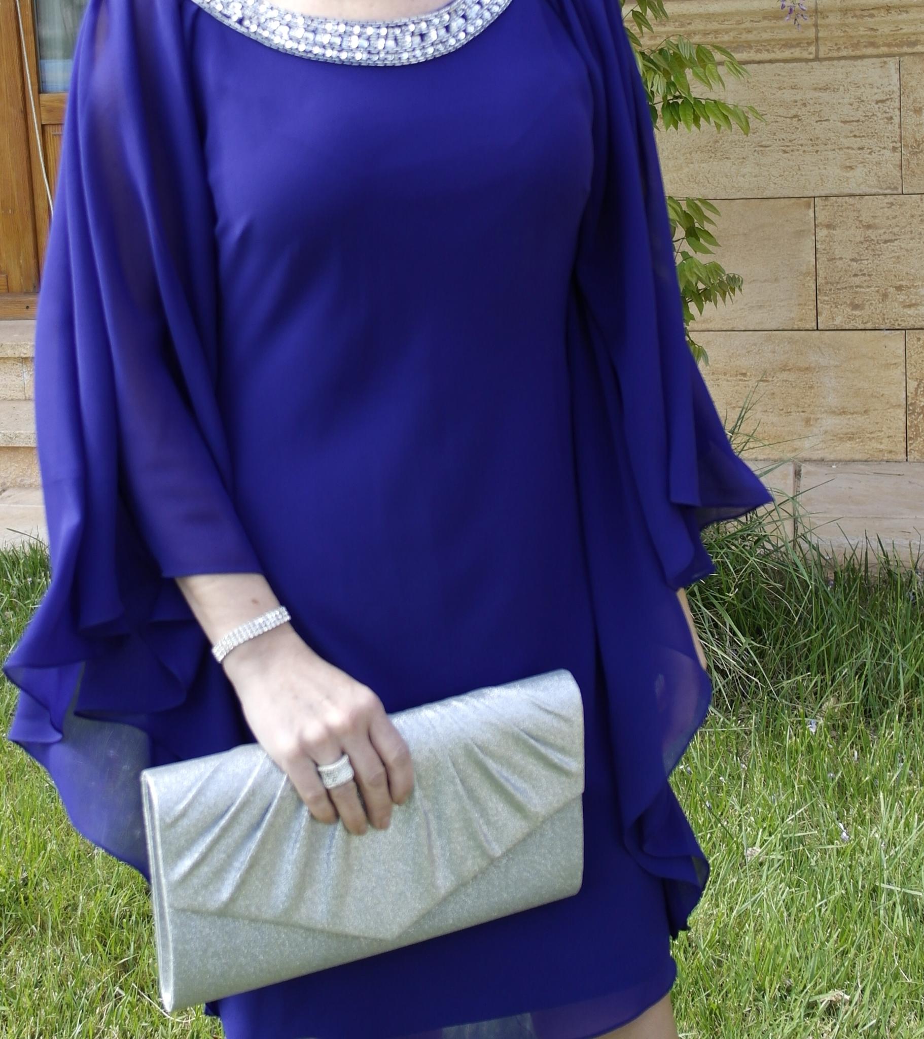 Vestido de fiesta azul y zapatos para combinar. | ESTILISMO CON ROMY