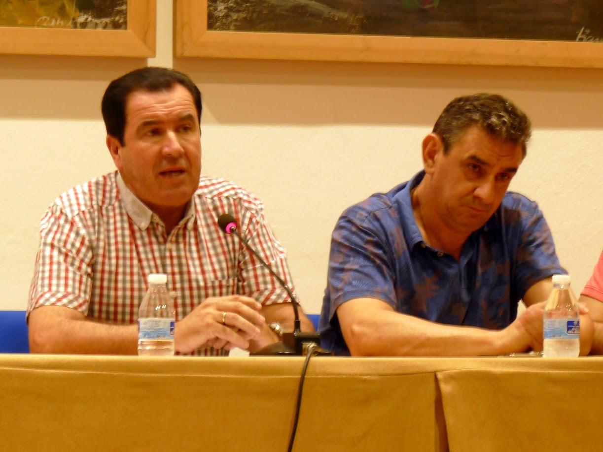 Juan Moreno junto al Concejal de Deportes en la Asamblea