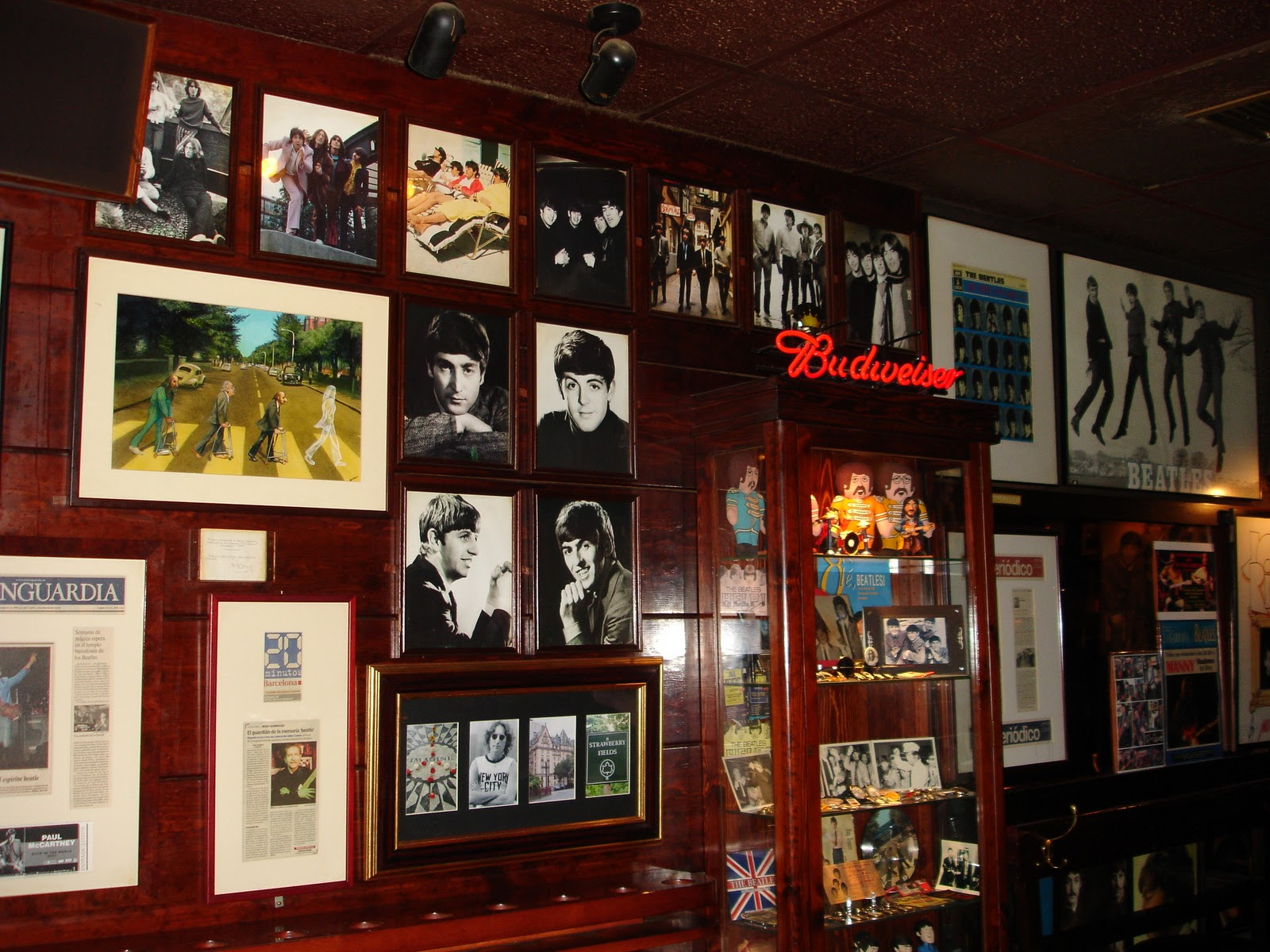 Bares y restaurantes tem ticos de barcelona - Decoracion bares tematicos ...