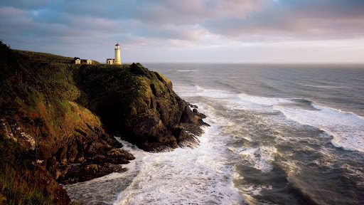 North Head Lighthouse, Cape Disappointment State Park, Washington.jpg