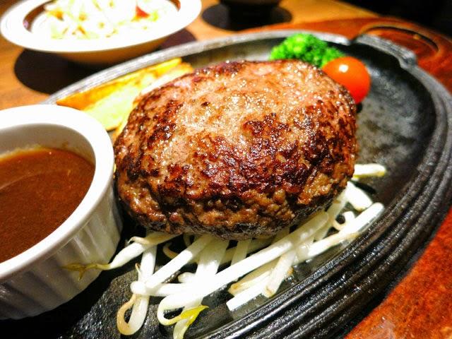 黒毛和牛のハンバーグのプレート