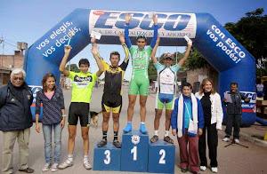 El podio de los Ganadores de la categoria Elite