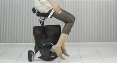 【ホンダ】今週のびっくりどっきりメカ「Uni-Cub」電動腰掛け二輪