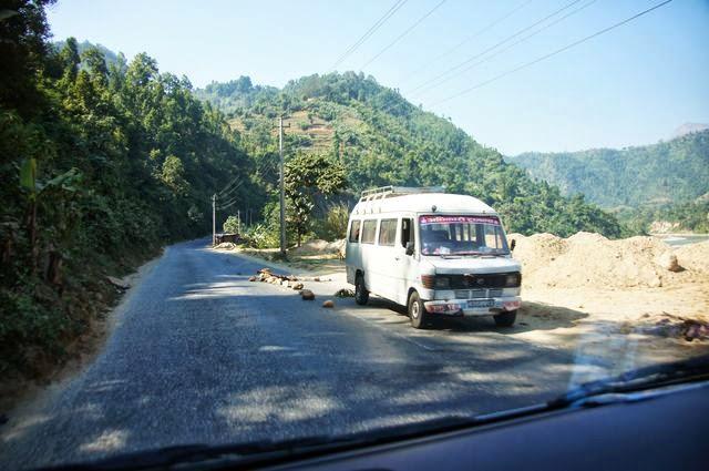 達人帶路-環遊世界-尼泊爾PoonHill健行-故障車輛