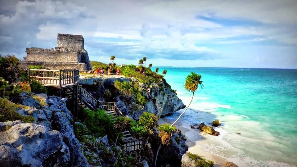 Parajes naturales junto a las zonas arqueológicas mayas, México, otra de las maravillas naturales del mundo