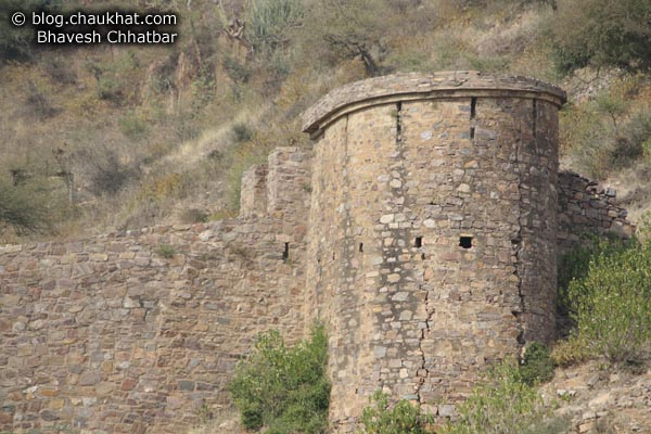 Bhangarh - Bastion Cracks