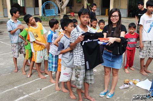 Game thủ Zing Speed làm từ thiện tại Đà Nẵng 2