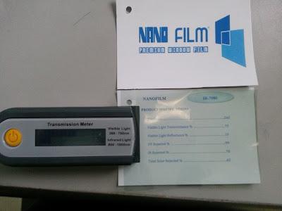 kiểm tra chất lượng decal dán kính bằng máy test phim