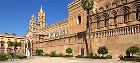 Die Geschichte Siziliens - Der Kathedrale von Palermo mit dem Sarkophag des Staufers Friedrich II.